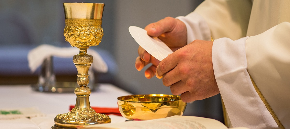"""Let us return to the Eucharist with joy!"""